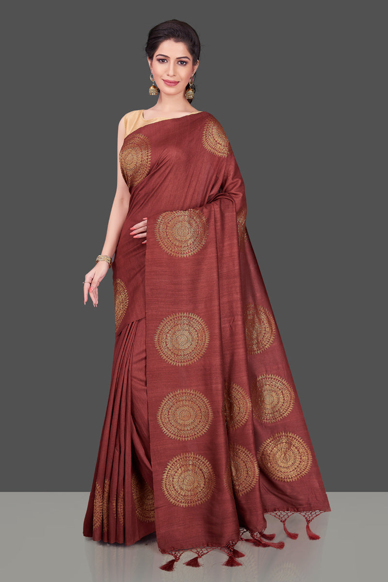Buy elegant maroon borderless muga Benarasi saree online in USA with big antique zari buta. Shop beautiful Banarasi sarees, georgette sarees, pure muga silk sarees in USA from Pure Elegance Indian fashion boutique in USA. Get spoiled for choices with a splendid variety of Indian saris to choose from! Shop now.-full view