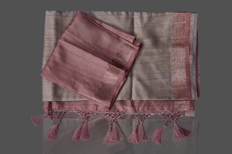 Shop grey tassar Benarasi saree online in USA with zari buta on mauve border. Shop beautiful Banarasi georgette sarees, tussar saris, pure muga silk saris in USA from Pure Elegance Indian fashion boutique in USA. Get spoiled for choices with a splendid variety of Indian sarees to choose from! Shop now.-details
