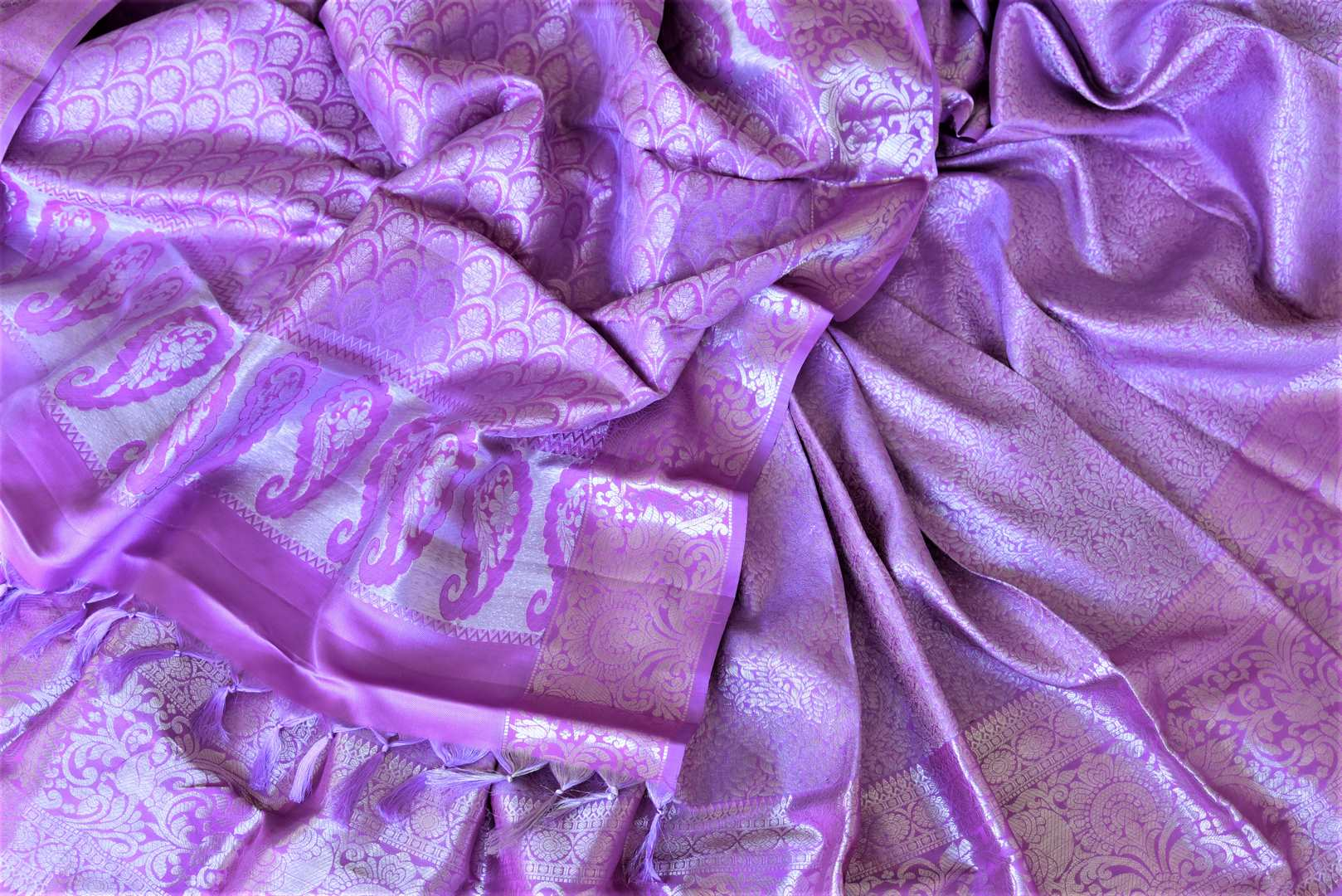 Shop stunning lavender silver zari work Kanjivaram sari online in USA. Look elegant at parties and special occasions in handwoven silk sarees, designer sarees with blouse, embroidered saris from Pure Elegance Indian luxury clothing store in USA.-details