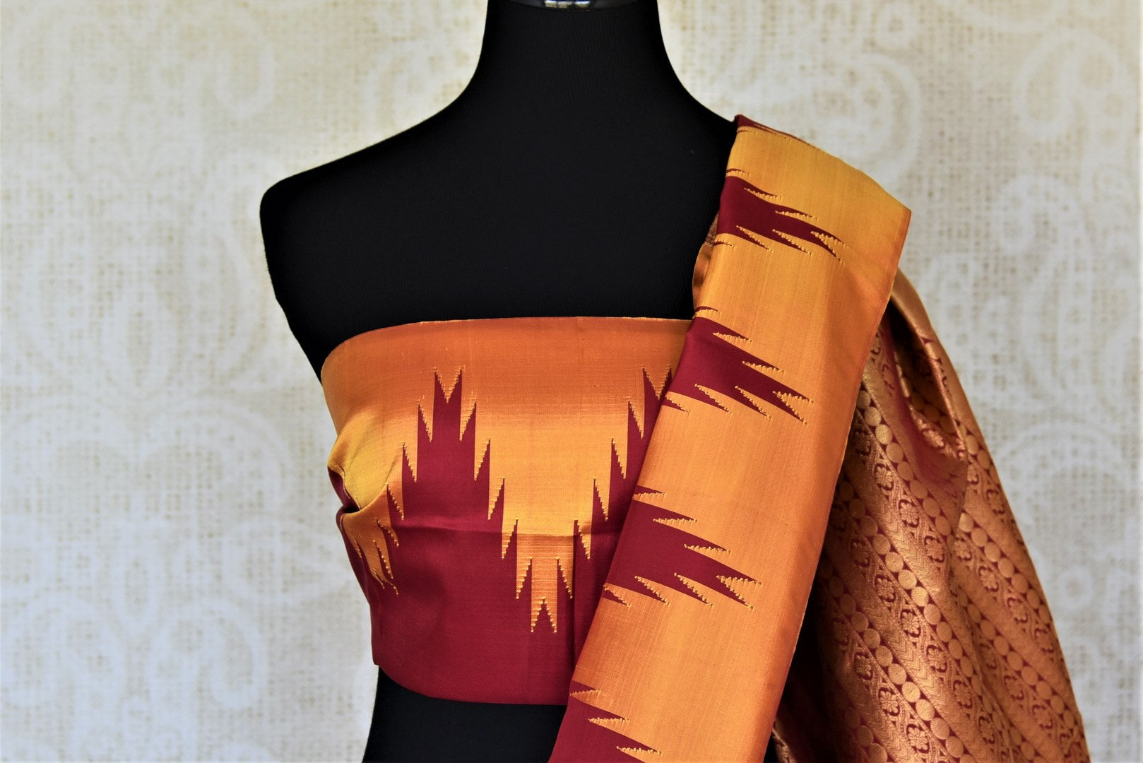 Buy beautiful red Kanjivaram silk saree online in USA with temple border. Choose from a splendid variety of soft silk sarees, Kanjivaram silk sarees for weddings and festive occasions from Pure Elegance Indian clothing store in USA.-blouse pallu