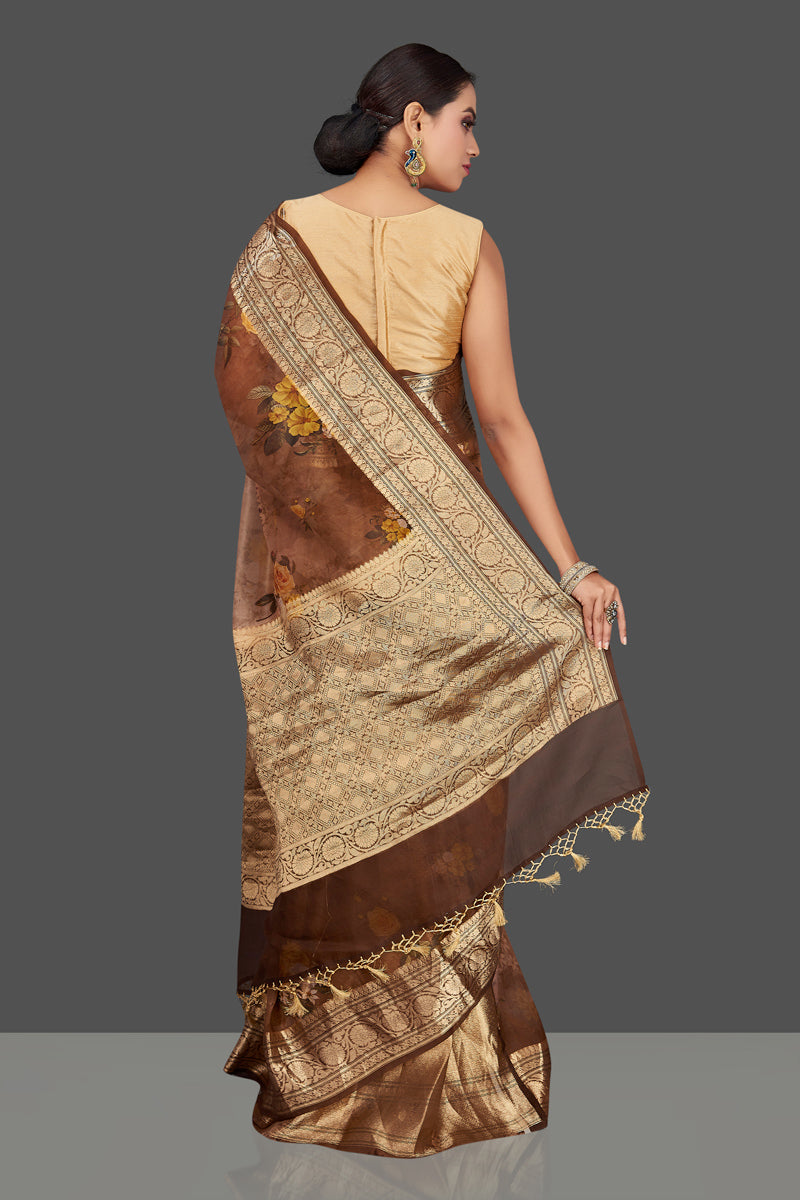 Buy beautiful ombre brown floral organza Banarasi sari online in USA with golden zari border. Look charming on festivals and weddings with stunning Banarasi sarees from Pure Elegance Indian clothing store. Your one stop destination for Indian fashion in USA!-back
