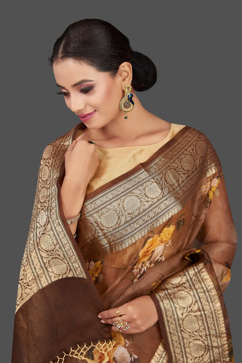 Buy beautiful ombre brown floral organza Banarasi sari online in USA with golden zari border. Look charming on festivals and weddings with stunning Banarasi sarees from Pure Elegance Indian clothing store. Your one stop destination for Indian fashion in USA!-closeup