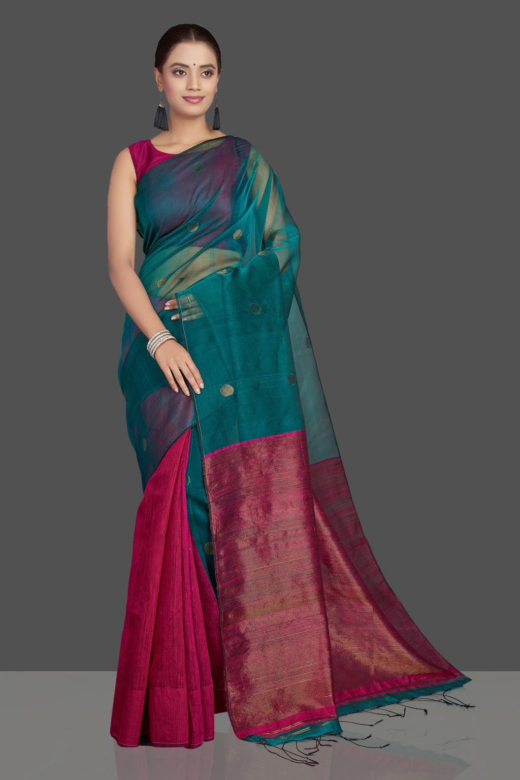 Shop sea green and pink matka muslin saree online in USA with bali buti. Look gorgeous on special occasions with exquisite Indian sarees, handwoven saris, Banarasi sarees, pure silk saris from Pure Elegance Indian saree store in USA.with fall and piko.-full view