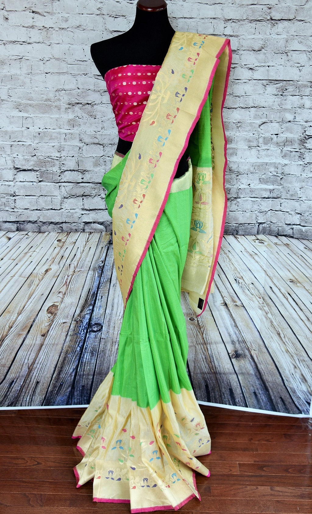 7ab8622cfd 90B265 Green Saree With Creame Border and Pink Blouse