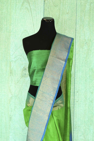 90C180 Lovely green blue saree online in USA at Pure Elegance The traditional matka ghicha Banarasi sari from India is ideal to wear at festivals and ethnic parties. The versatile saree is easy to style and can be worn for several occasions.