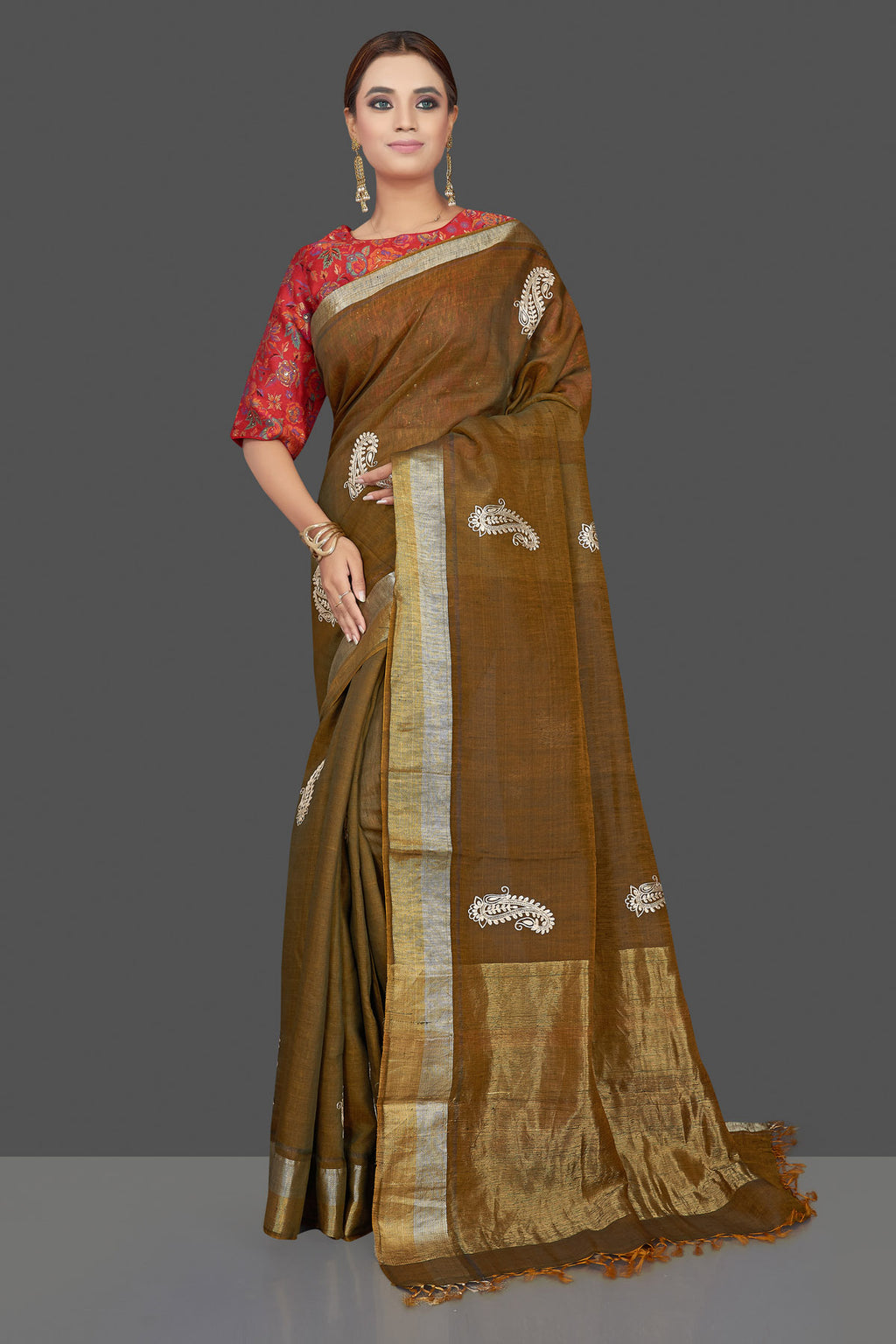 Buy stunning brown embroidered linen Banarasi saree online in USA with red floral blouse. Shop gorgeous handwoven saris, linen sarees, pure silk sarees, traditional Banarasi sarees in USA from Pure Elegance Indian saree store.-full view