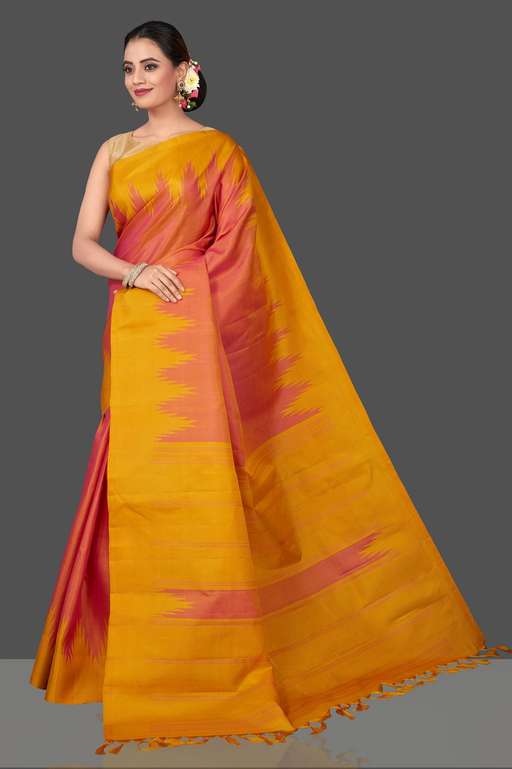 Shop beautiful light pink Kanjivaram saree online in USA with mustard temple border. Be the center of attraction at weddings and festive occasions in the stunning handwoven silk sarees, Kanchipuram silk sarees, zari work sarees, Banarasi sarees from Pure Elegance Indian saree store in USA.-pallu