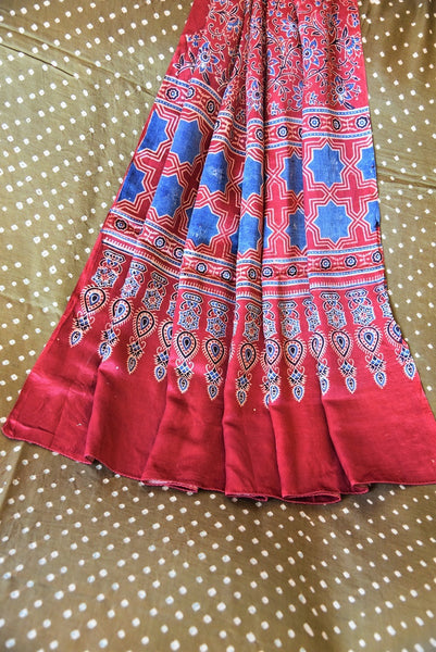 90C550 Brown Gajji Silk Bandhej Saree With Ajrak Printed Pallu & Blouse