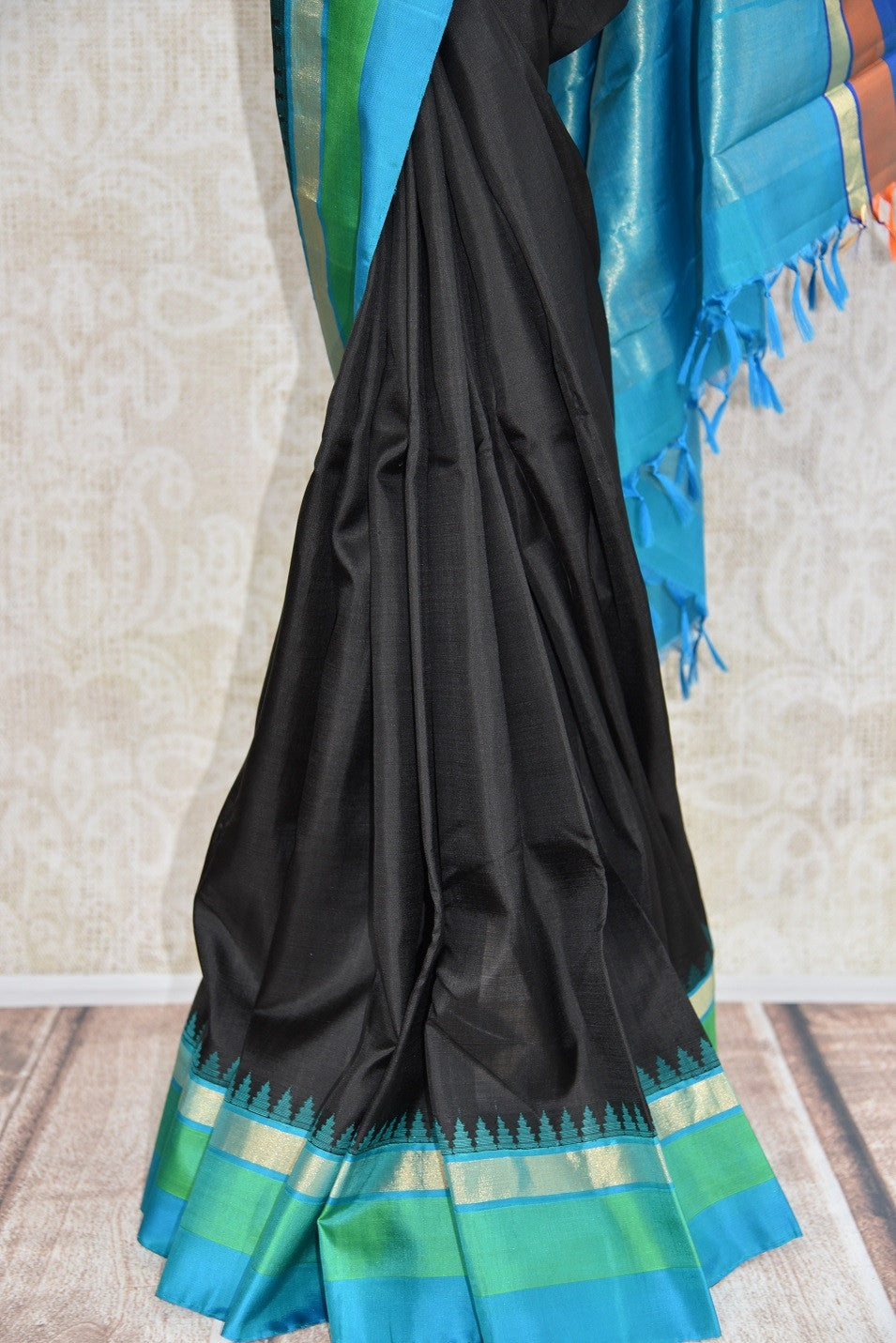90C585 Black Kanjivaram Saree With Hues of Blue & Purple