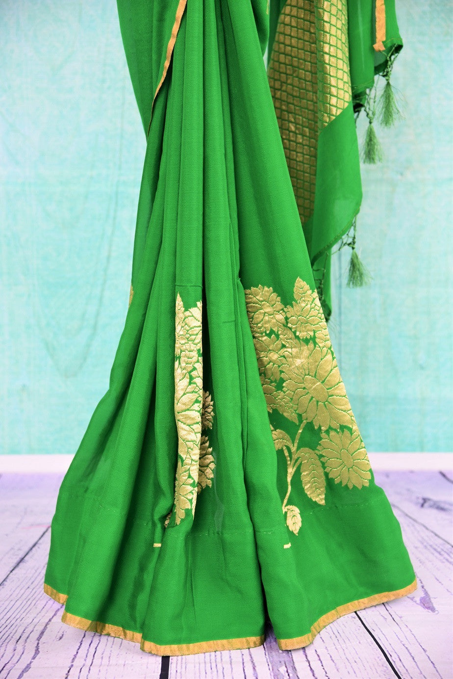 90C499 Green Tussar Georgette Saree With Floral Work