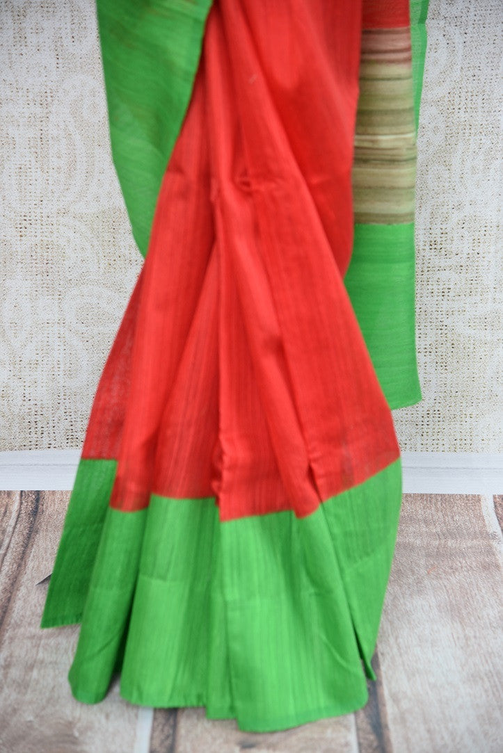 90B326 This red matka gicha saree with a green border is a perfect Indian outfit for festive occasions. The traditional woven sari can be bought at our Indian ethnic wear store Pure Elegance online in USA.