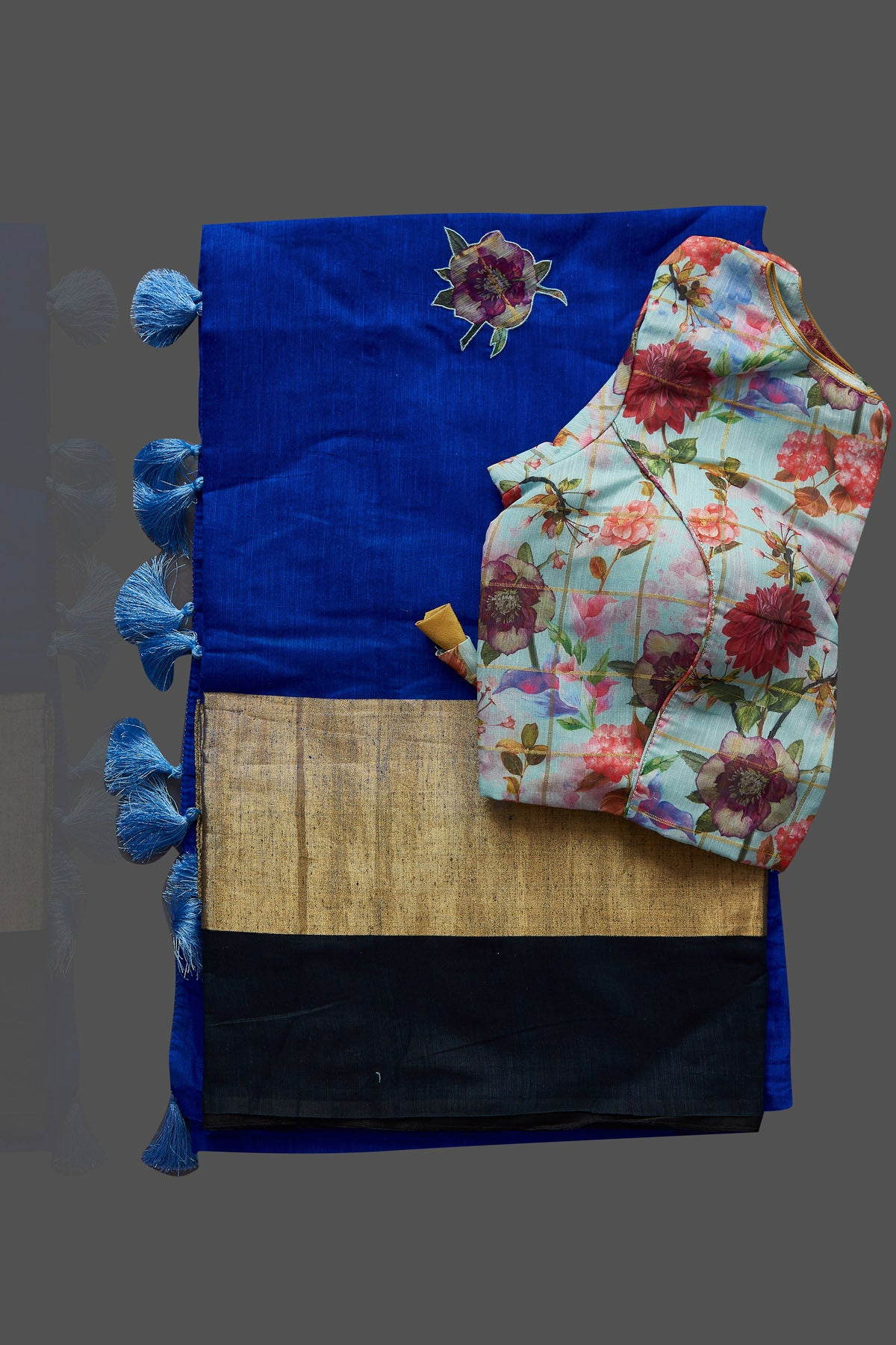 Buy beautiful indigo blue floral applique linen saree online in USA with floral saree blouse. Radiate elegance with designer sarees with blouse, linen sarees from Pure Elegance Indian fashion boutique in USA. We bring a especially curated collection of ethnic saris for Indian women in USA under one roof!-blouse