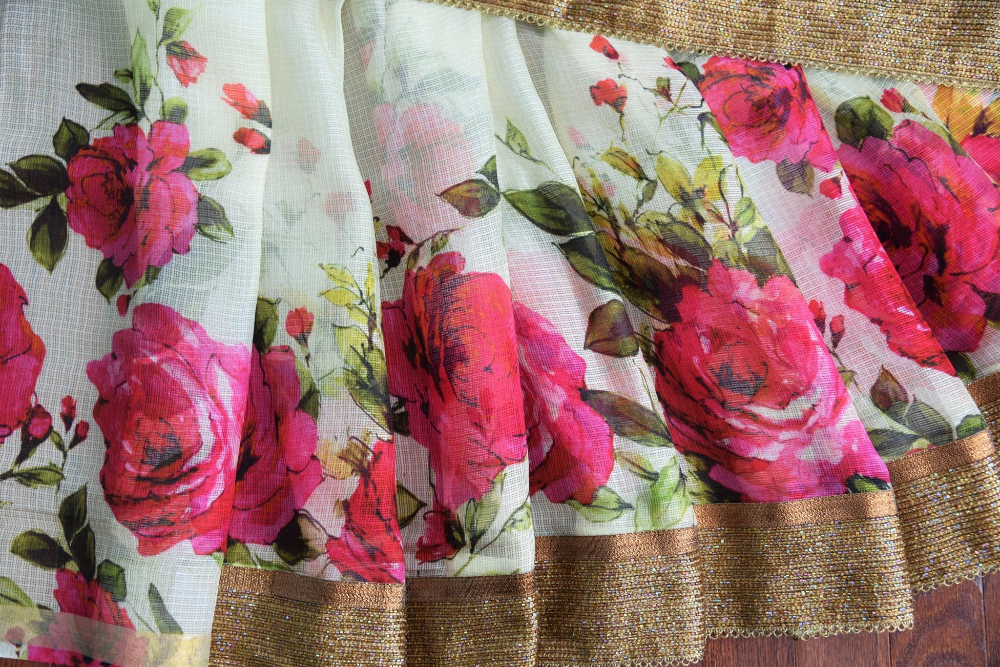 90C349 Beige Kota Saree With Vintage Pink Rose Print