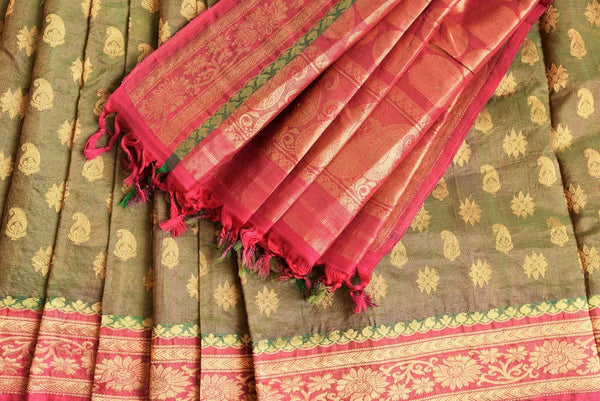 90A095 Step up your ethnic fashion game with this mehendi green traditional Indian saree with pink borderis a classic! The silk gadhwal saree makes for an ideal Indian wedding saree and is an Indian outfit that will be forever loved!