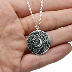 Elegant Crescent Moon Pendant Necklace