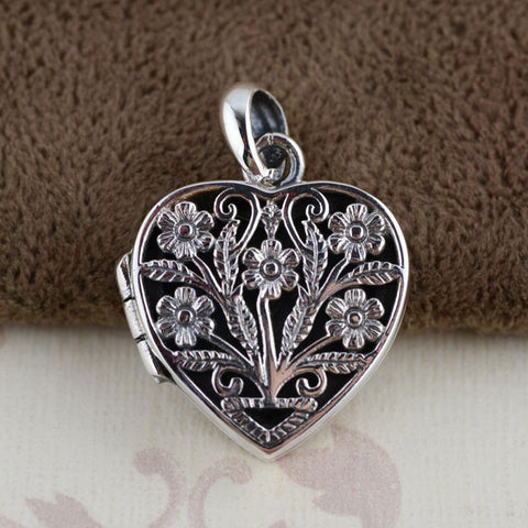 Lovely Sterling Silver Heart Locket Pendant With Flowers