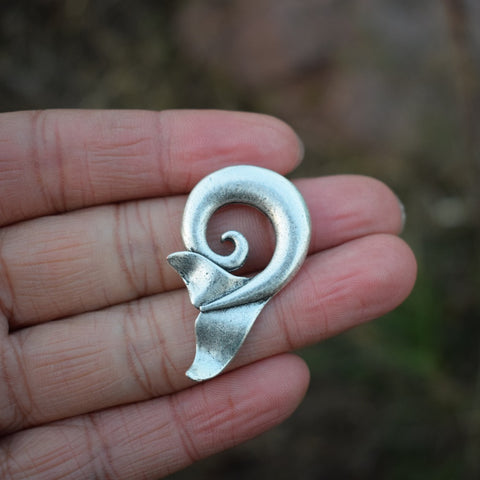 Beautiful Wave And Whale Tail Pendant