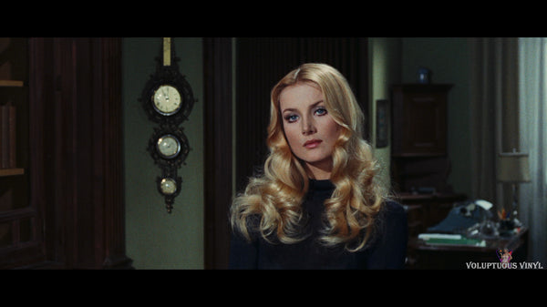 Barbara Bouchet in Amuck