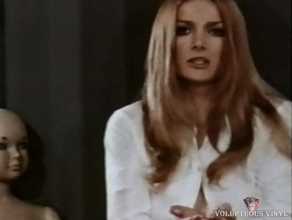 Barbara Bouchet kills goldfish in Valerie Wife Of David