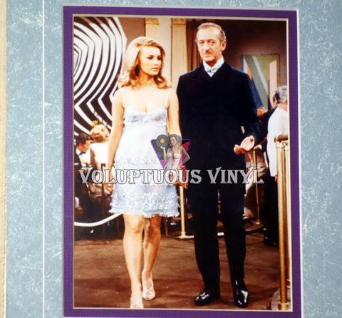 Barbara Bouchet & David Niven in Casino Royale