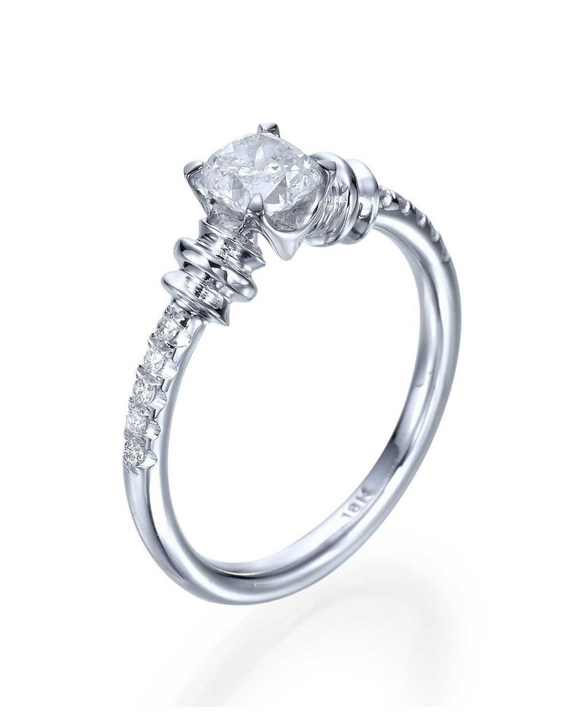 Engagement Rings Vintage Style Engagement Rings with 0.50ct D/VS Round Cut Diamond