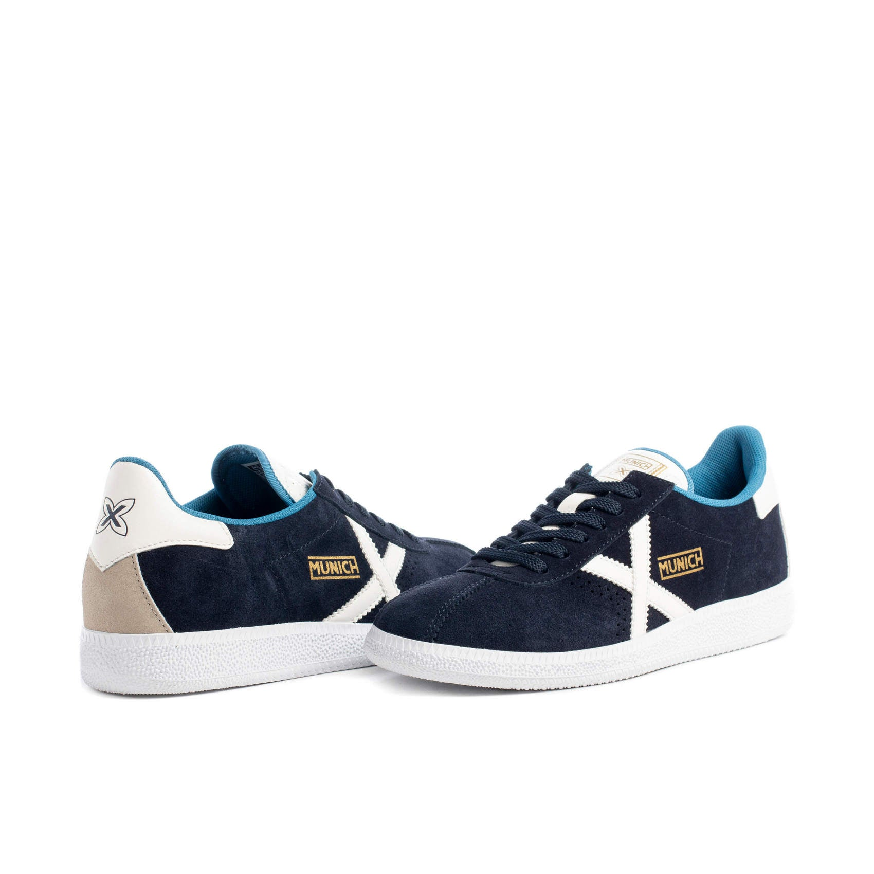 ID30202 Munich Blue Barru Trainer