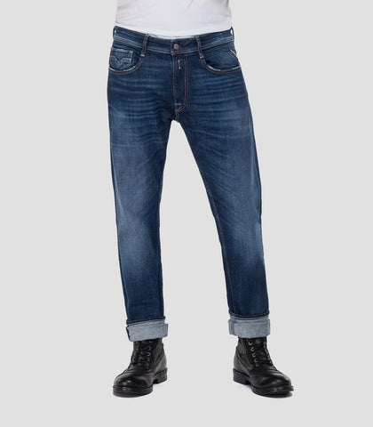 ID20393-Replay Rocco Mid Wash Jean