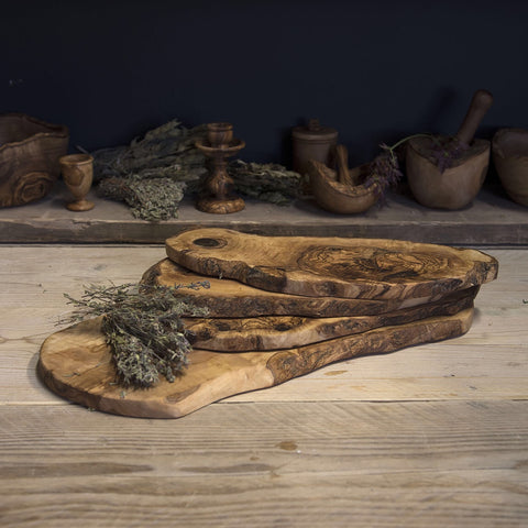 Olive wood chopping board (rustic)