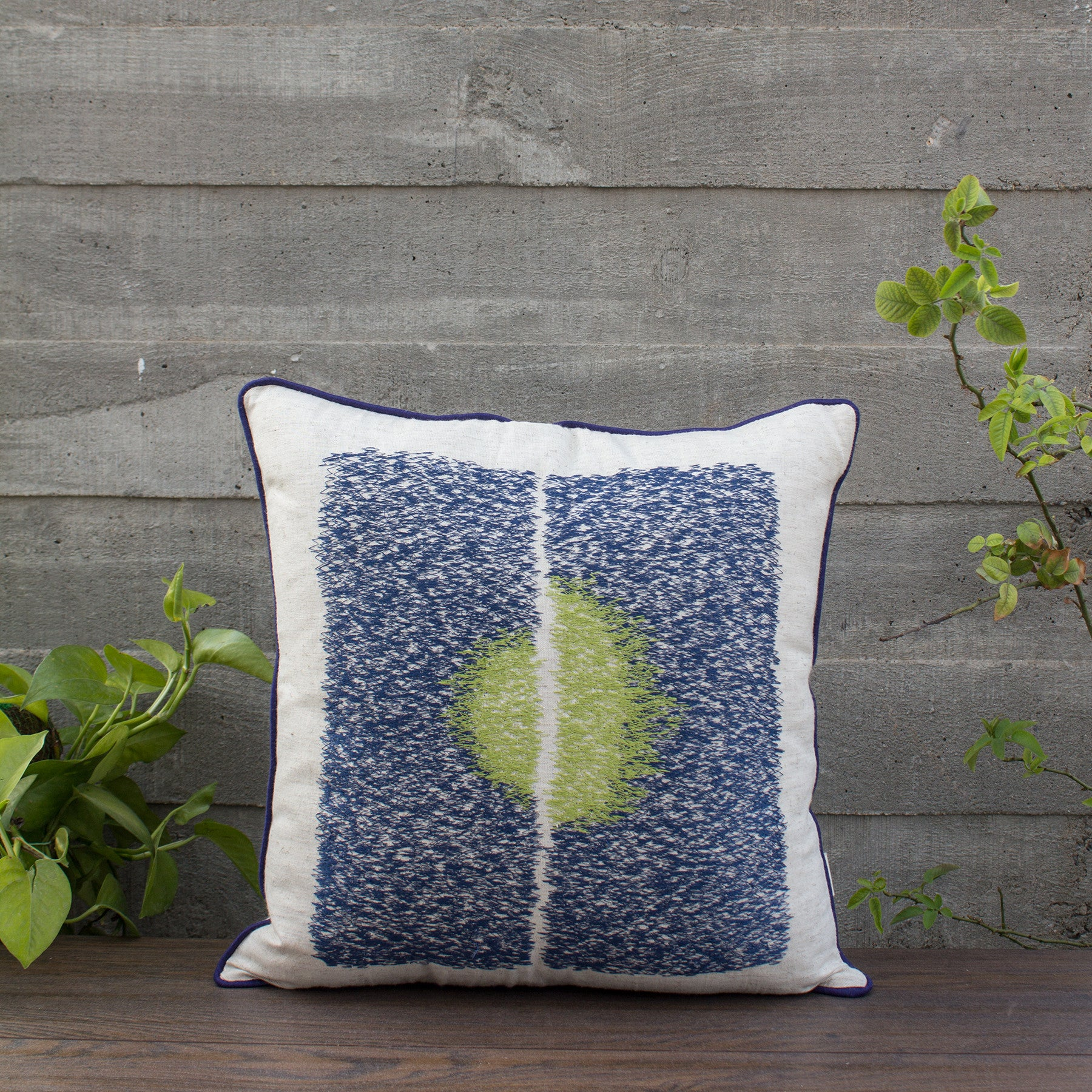 MIDNIGHT SUMMER CUSHION COVER