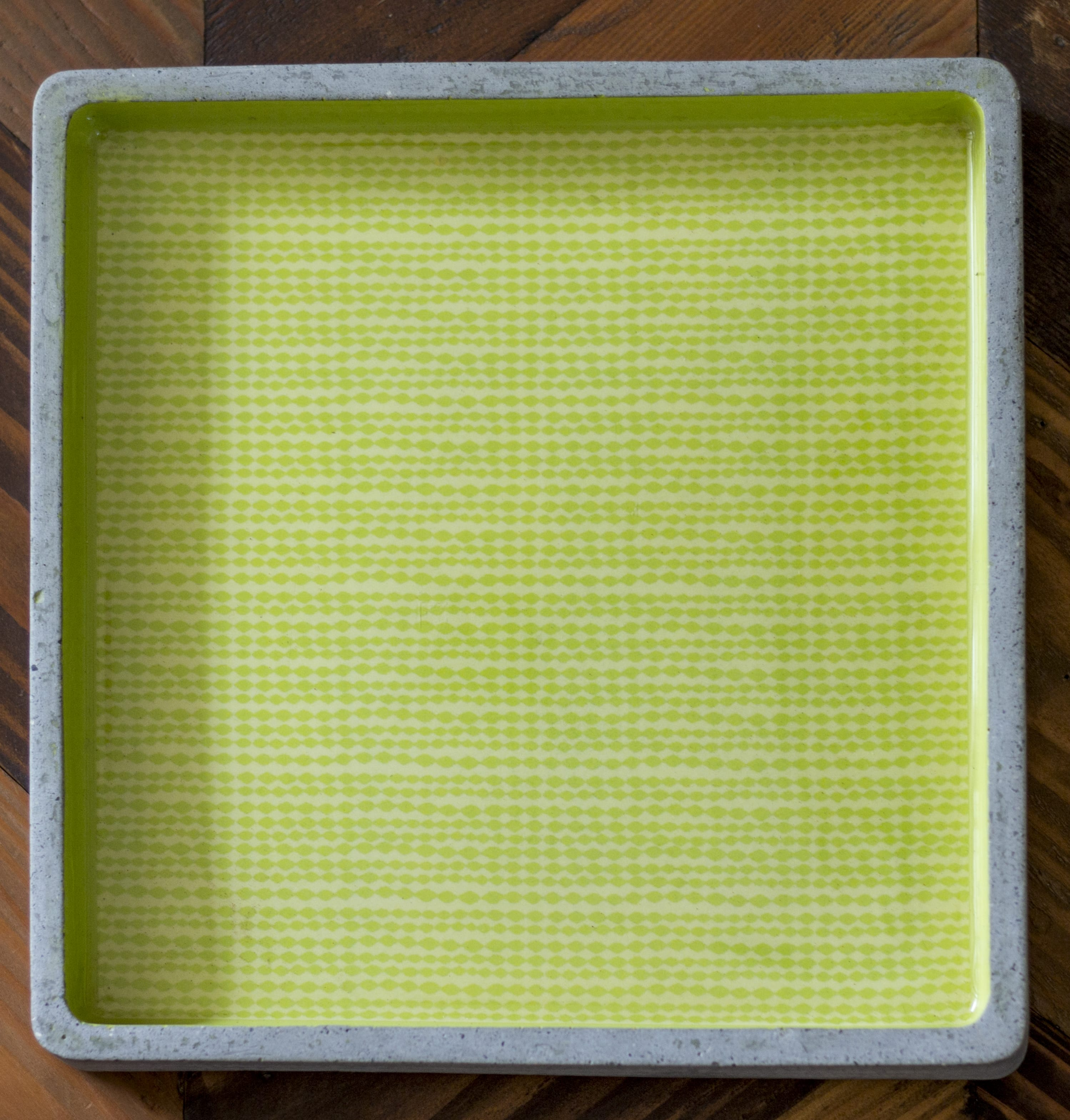 GREEN AMBARA SQUARE TRAY LARGE