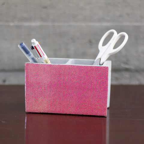 GREY EMBROIDERED POUCH WITH CONCRETE TILES