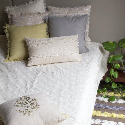 FLORA EMBROIDERED BED COVER