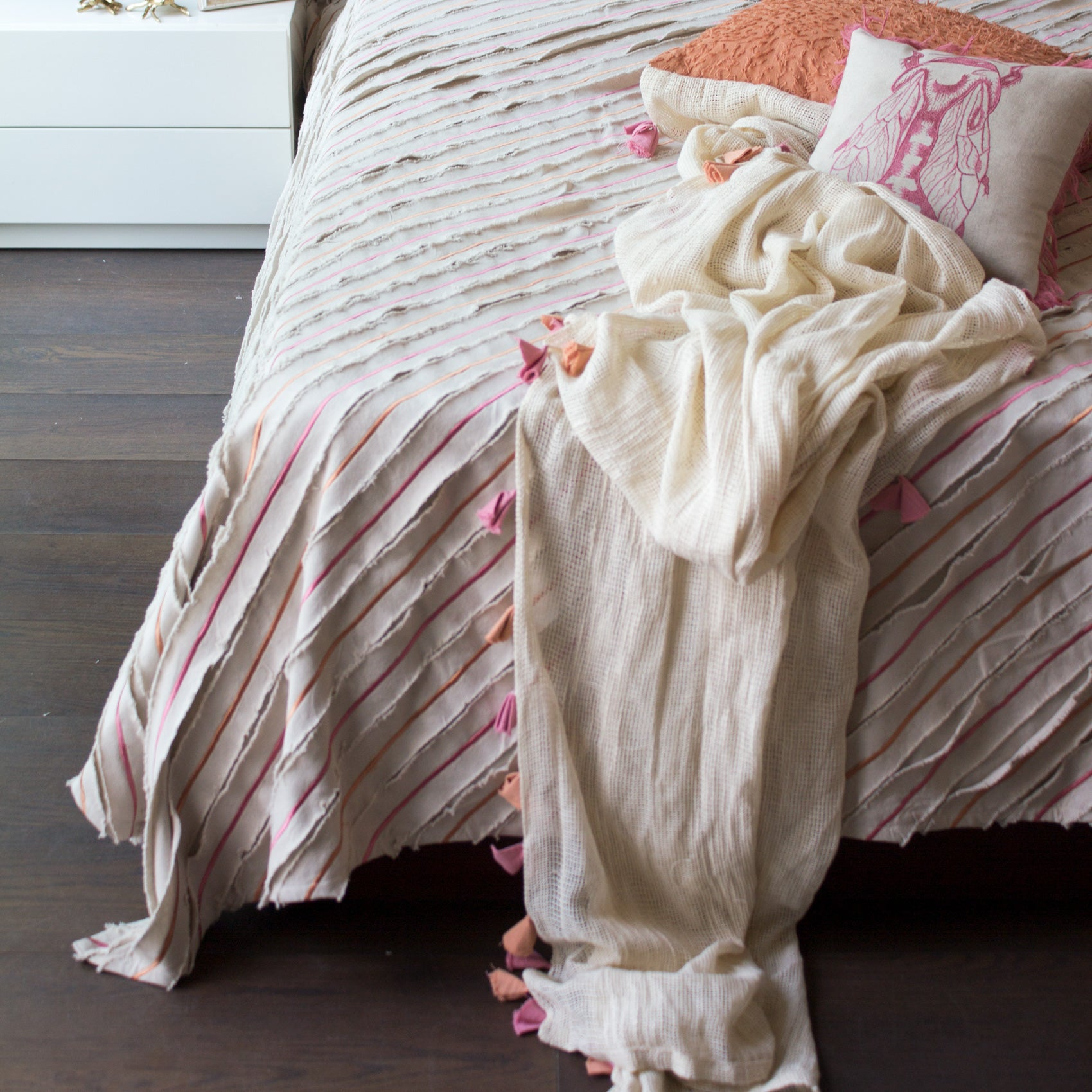 BLOSSOM EMBROIDERED BED COVER