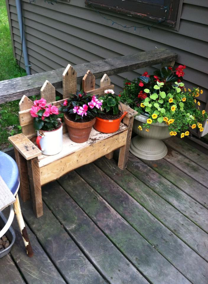 Picket Fence Flower Bench