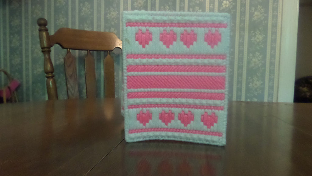Tissue Box Cover Pink Hearts, Plastic Canvas Tissue Topper, Bathroom Accessories - Sissystreasurechest