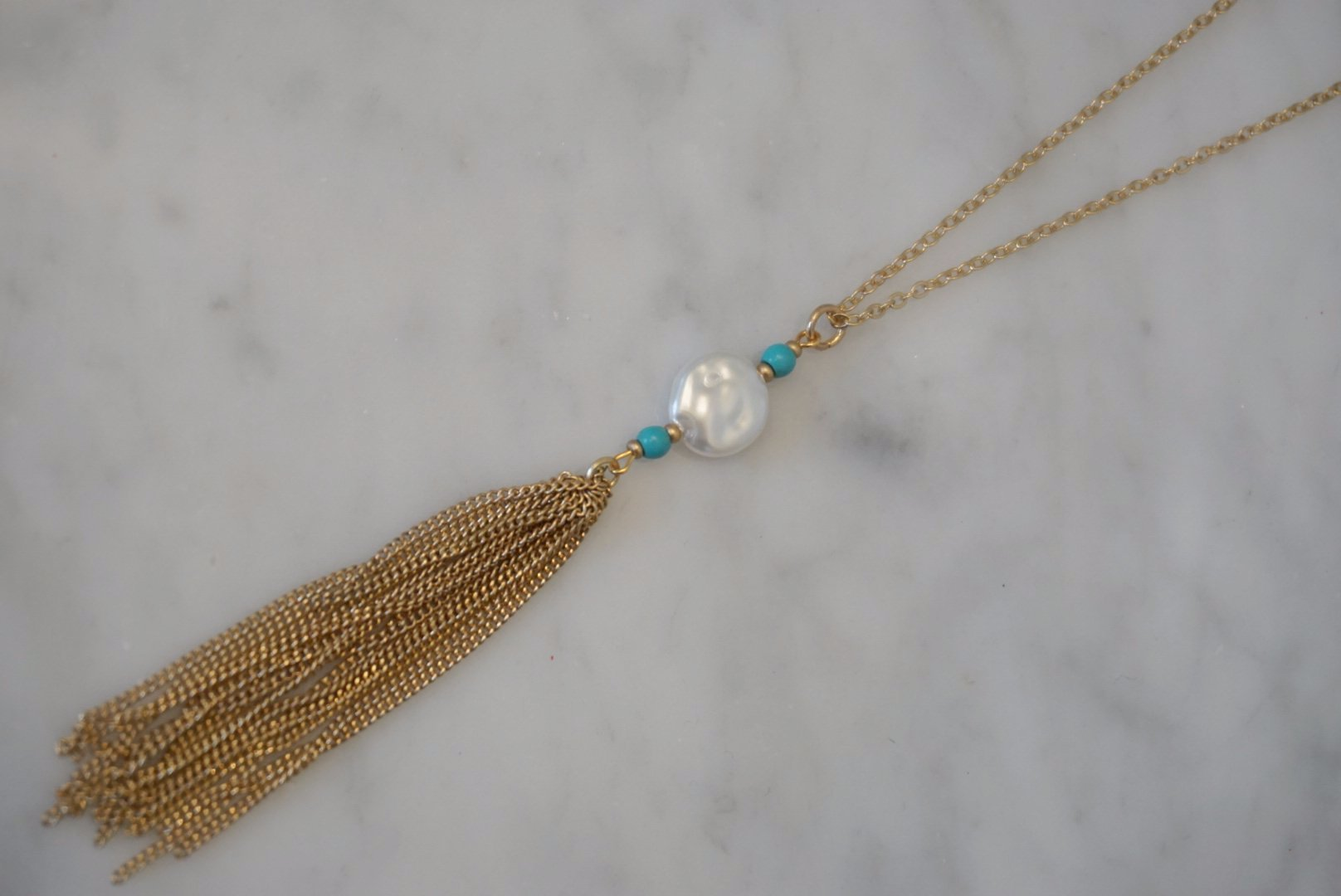 LA2LA Handmade Turquoise & Pearl Color Beaded Necklace