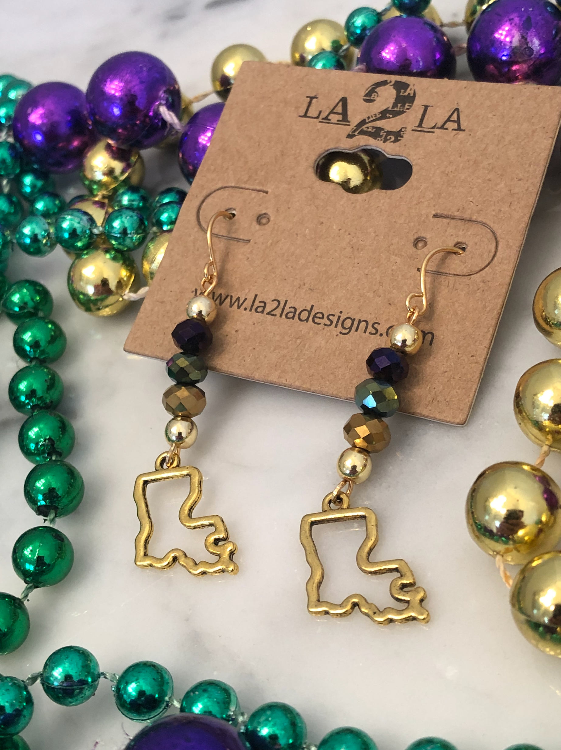 LA2LA Handmade Mardi Gras Gold Green And Purple Bead Bar Louisiana Charm Earrings