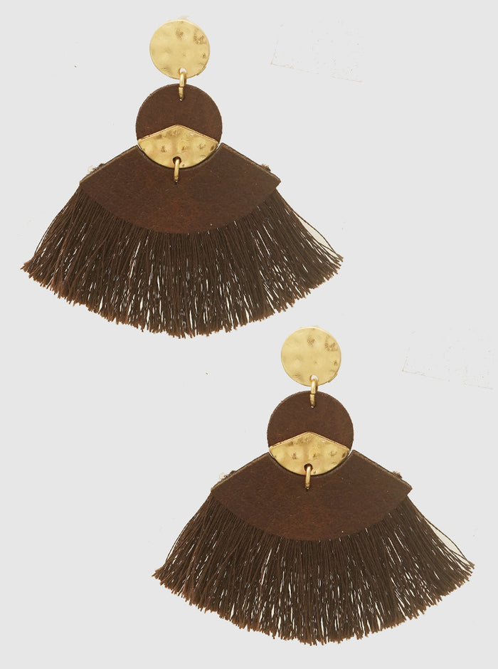 FAN SHAPE THREAD TASSELS SUEDE LEATHRETTE EARRINGS