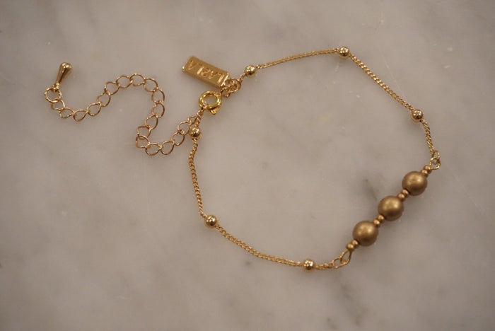 LA2LA Handmade Gold Beaded Bracelet