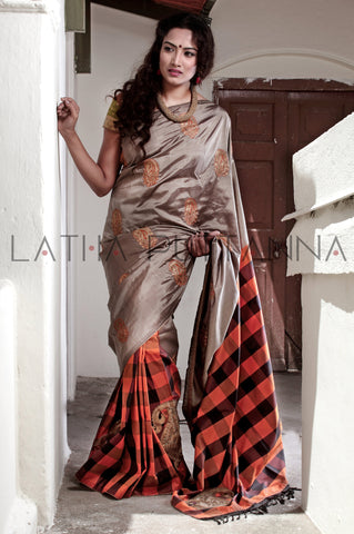 Dussehra - Silk saree with bold checks