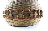 4422 Lg. Basket with Curl Decorations-Close up bottom-C-3984 x 2656.jpg