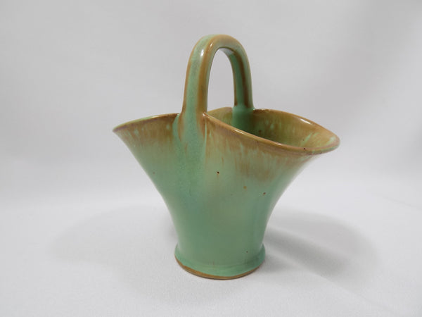 Dicker Ware Art Pottery Basket, Sussex England 1935-1940 turned right