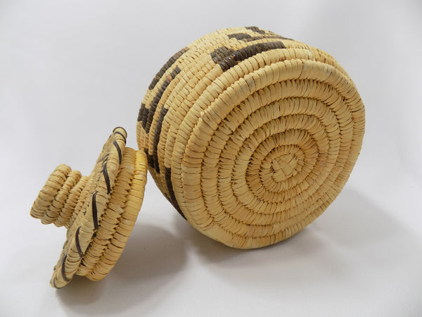 Tohono O'odham (Papago) Basket By Sally Juan Native American Art From Arizona bottom view