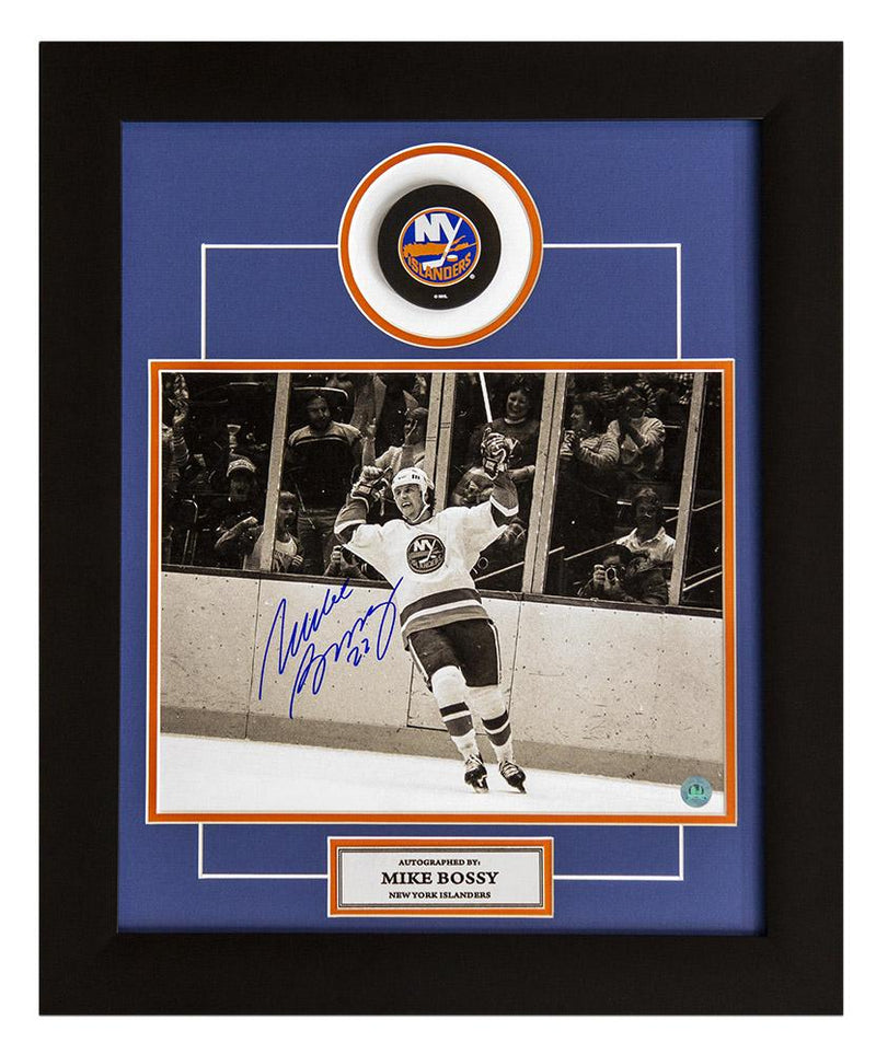 Mike Bossy New York Islanders Signed B&W Goal Celebration 20x24 Puck Frame