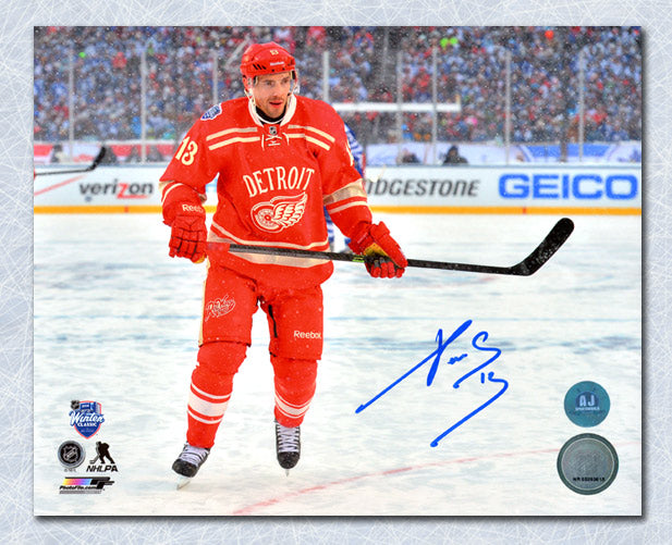 Pavel-Datsyuk-Detroit-Red-Wings-Autographed-2014-Winter-Classic-8x10-Photo