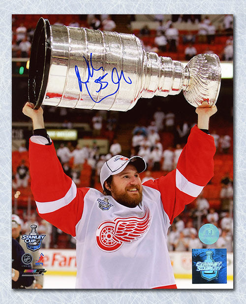 Niklas Kronwall Detroit Red Wings Autographed Stanley Cup 8x10 Photo