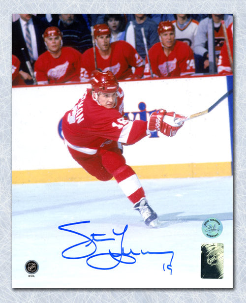 Steve Yzerman Detroit Red Wings Autographed Hockey Sniper 8x10 Photo