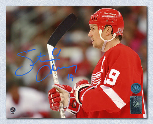 Steve Yzerman Detroit Red Wings Autographed Horizontal Close Up 8x10 Photo