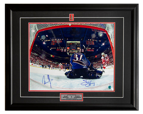 Steve Yzerman Detroit Red Wings Signed Retired Jersey Number 23x19 Frame