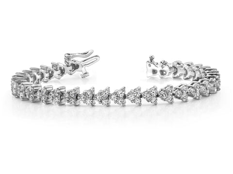 Red-Carpet Pyramid Design Diamond Bracelet